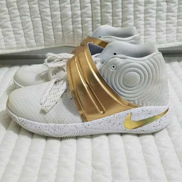 best sneakers 6d579 159a4 Nike Kyrie 2 ID Gold white Shoes